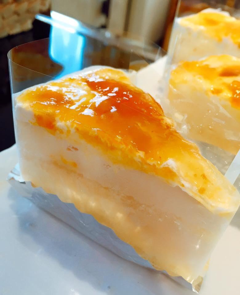 きんかんソースのレアチーズケーキ