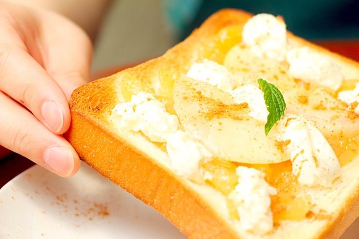ダブル桃のトースト