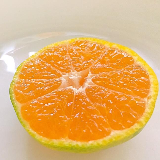朝の果物は金
