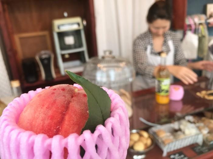 ふんわりスポンジの桃のショートケーキ